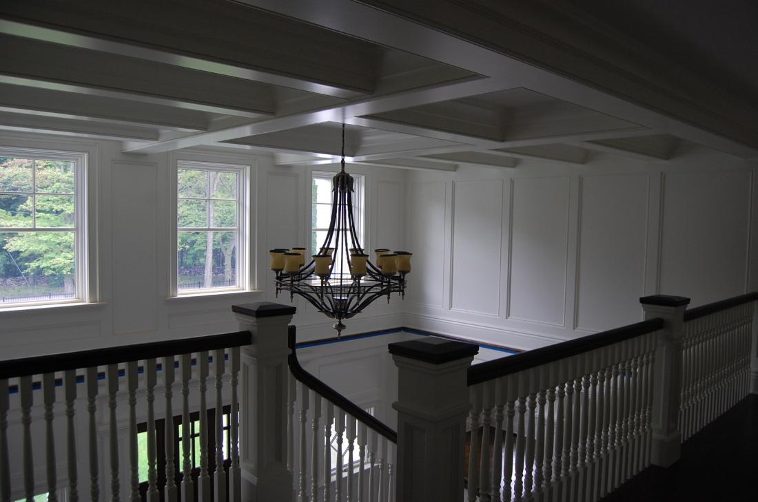 lyndale_manor_stairs_chandelier_2011-05-20-236-1600x1061-1100x729.jpg