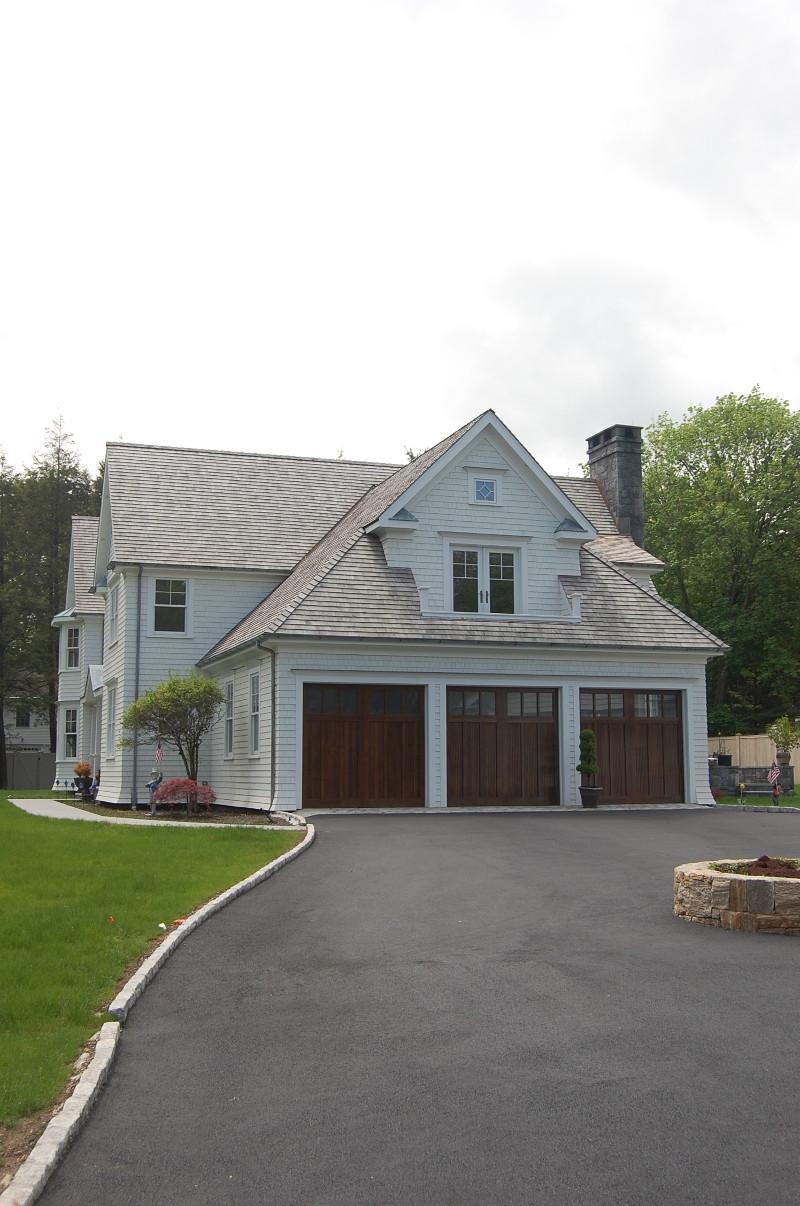 lyndale_manor_driveway_2011-05-20-200-800x1206.jpg